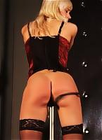 Blonde needs to be punished hard